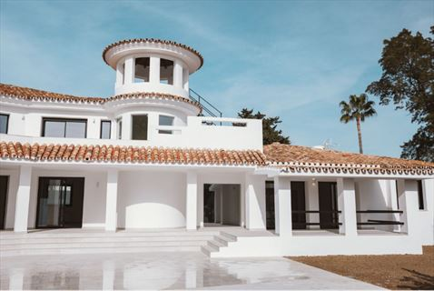 Wonderful contemporary Andalusian style villa