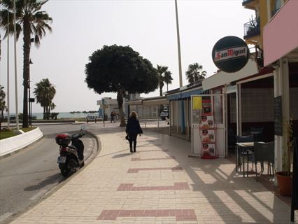 Bargain Priced Fully Equipped Playamar Cafe Snack Bar