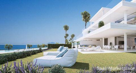 28 Luxury villa-apartments on the beach in Estepona